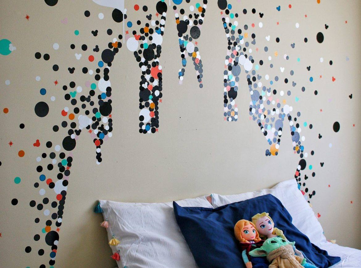 DISNEY CASTLE WALL DECOR USING THE CRICUT JOY